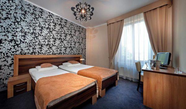 Hotel Tęczowa – LUBAŃ